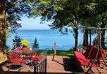 Location vacances Victor - Pine Cottage on Secret Cove in Parkland-2