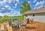 Location vacances Dillard - Spacious Sky Valley Home with Deck and Mtn Views!-4