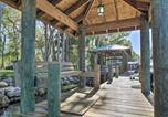 Location vacances De Land - Waterfront Astor Studio Cabin with Private Boat Dock-4