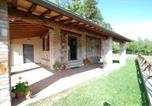 Location vacances  Province de Sienne - Monticiano Villa Sleeps 3-1