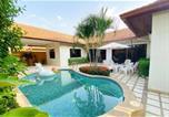 Location vacances Na Kluea - Baronial Villas-3
