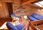 Location vacances  Province de Lucques - Sunny holiday home with warm interiors & impressive skylight-4