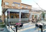 Location vacances Cornellà de Terri - Hostal Mas Ferrer-1