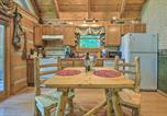 Location vacances Townsend - Townsend Cabin w/ Deck & Smoky Mountain Views-4