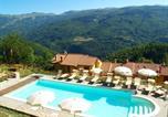 Location vacances  Province de Pistoia - Modern Holiday Home in Cutigliano with Pool-2