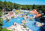 Camping avec Piscine couverte / chauffée France - Camping Club Famille Lou Pignada-1