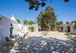 Location vacances San Vito dei Normanni - Il Trullo dell'Ulivo Bianco-2