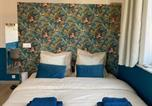 Location vacances  Nord - Capsule Blue & Gold private shower & Netflix-4