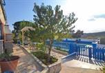 Location vacances Hostalric - Macanet de la Selva Apartment Sleeps 7 Pool Wifi-2