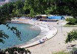 Location vacances Lovran - Apartments and rooms with parking space Lovran, Opatija - 2332-2