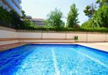 Location vacances  Province de Tarragone - Red Room Apartment - Mediterranean Way-3