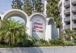 Hôtel Anaheim - Howard Johnson by Wyndham Anaheim Hotel & Water Playground-1