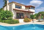 Location vacances Xylokastro - Five-Bedroom Holiday Home in Kiato-1