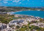 Location vacances Mellieħa - Mellieha Town Centre Bright & Spacious 3 Bedroom Apartment-2