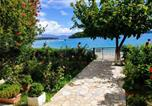 Location vacances Nydri - Daglas Beachfront House at Nidri-1