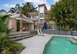 Location vacances Little Cove - Noosa Penthouse close to Hastings Street - Unit 2 Vue, 28 Edgar Bennett Ave-4