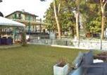 Location vacances Ranco - Meina Villa Sleeps 4 Pool Wifi-3
