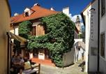 Location vacances Český Krumlov - Castle View Apartments-1