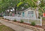 Location vacances Gulfport - Gulfport Bungalow by Jones Park and Beach Access!-1