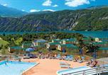 Camping avec Site nature Alpes-de-Haute-Provence - Domaine Résidentiel de Plein Air Les Berges du Lac-1
