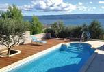 Location vacances Dugi Rat - Holiday home Dugi Rat 35 with Outdoor Swimmingpool-4