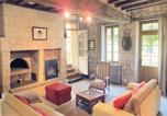 Location vacances Breil - Holiday home Neuillé with a Fireplace 441-2
