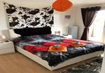 Location vacances La Chaux-de-Fonds - Relaxe at home ds 3pc or studio furnished jacuzzi and pool in summer covered-1
