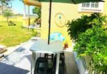 Location vacances Anadia - House with 2 bedrooms in Ponte de Vagos with enclosed garden and Wifi 15 km from the beach-1