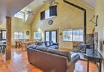 Location vacances Logan - Massive Cabin with Game Room, 1 Mi to Bear Lake-3