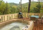 Location vacances Bryson City - 4 Bed 2 Bath Vacation home in Whittier-2