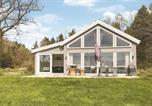 Location vacances  Norvège - Three-Bedroom Holiday Home in Lillesand-1