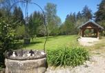 Location vacances Villeneuve-sous-Pymont - Gîte du château de Feschaux, Jura-1