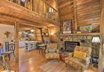 Location vacances Elberton - Artists A-Frame Cabin with New Interior and Deck!-3