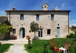 Location vacances  Province de Pesaro et Urbino - Agriturismo Molleone-1