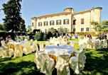 Location vacances  Province d'Alexandrie - Luxurious Apartment with Garden in Rocca Grimalda-1