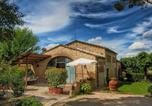 Location vacances Casole d'Elsa - Holiday Home in Tuscany with Swimming Pool-1