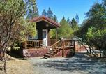 Villages vacances Alpine Meadows - Lake of the Springs Camping Resort Cabin 1-1