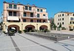 Location vacances  Province d'Imperia - Locazione Turistica Cala Azzurra - Imp311-1