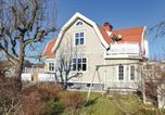 Location vacances Kungälv - Four-Bedroom Holiday Home in Jonsered-2