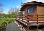 Location vacances  Wanlockhead - Glen Bay Lodge Farm stay with Hot Tub-4