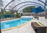 Location vacances Plémy - Holiday home Brouains N-686-2