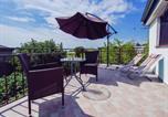 Location vacances Starigrad - Beautiful Apartment in Starigrad with Garden-4