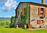 Location vacances Radicofani - Radicofani Villa Sleeps 15 Pool Wifi-1