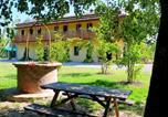 Location vacances  Province de Ferrare - Cozy Cottage in Portomaggiore near Lake-1