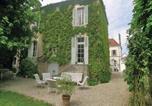 Location vacances  Yonne - Holiday Home Chablis Boulevard De Ferrieres-4