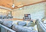 Location vacances Lake Geneva - Trendy Dtwn Condo with Game Room Less Than 1 Mi to Lake-4