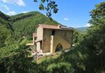 Location vacances  Province de Pesaro et Urbino - Cozy Cottage in Tranquillo Italy with Swimming Pool-2