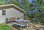 Location vacances Green Lake - Lakefront Westfield Studio Cabin with Fire Pit and Dock-3