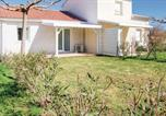 Location vacances San-Giuliano - One-Bedroom Holiday Home in Cervioni-1