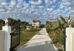 Location vacances Flagler Beach - Castle by the Sea, beach, onsite mini-golf, fishing, Bbq, ping pong-3